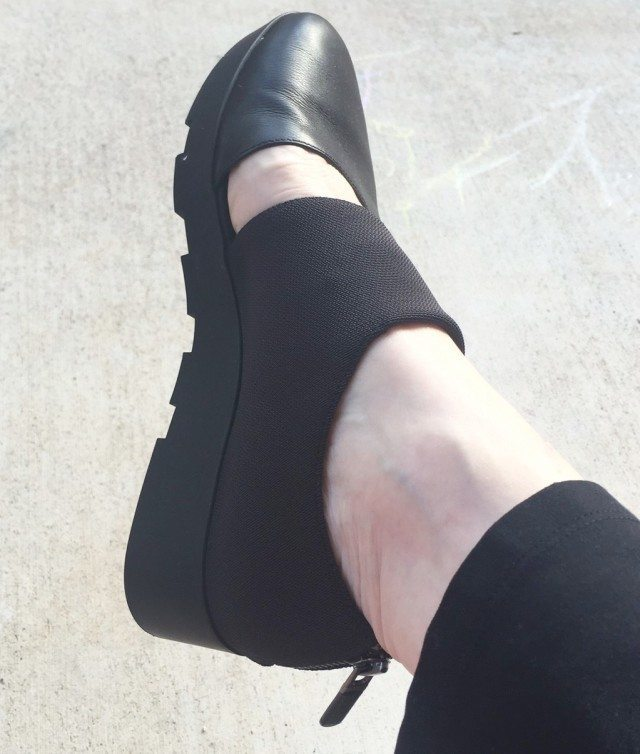 Jennifer Connolly of A Well Styled Life wearing Eileen Fisher shoes