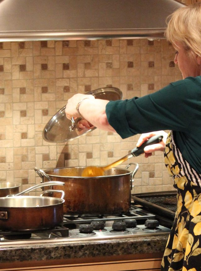making vegan carrot coconut soup