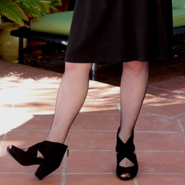 showing where to hem your skirt