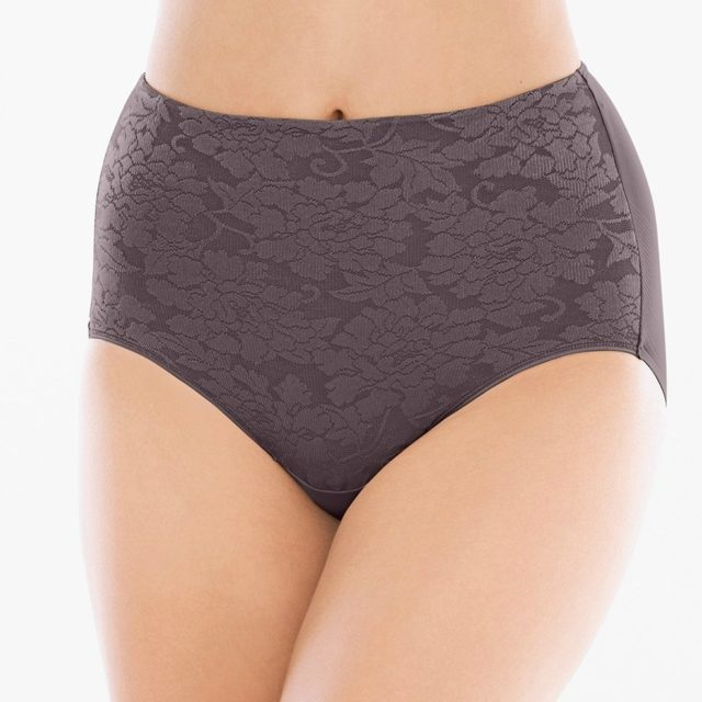 Vanishing tummy retro brief on A Well Styled Life