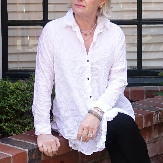 Jennifer Connolly of A Well Styled life wearing Comfy USA from Artful Home