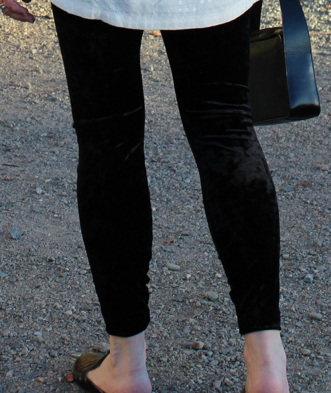 Jennifer Connolly of A Well Styled Life wearing Lysse crushed velvet leggings