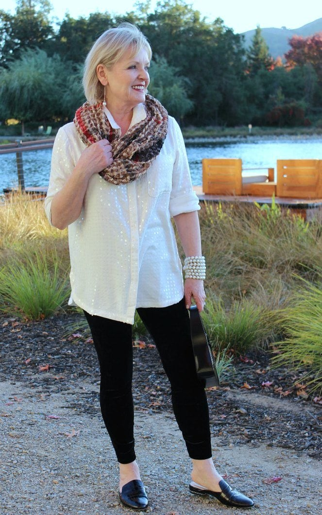 Jennifer Connolly of A Well Styled life wearing Lysse velvet leggings