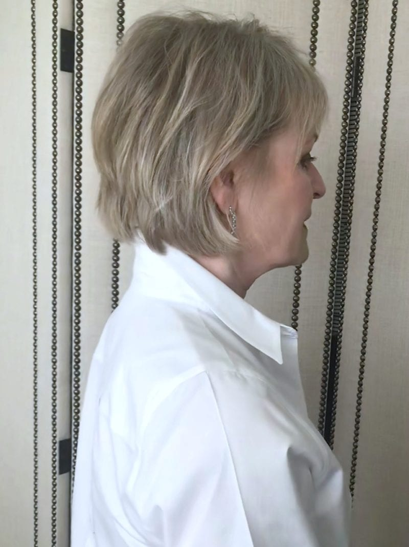 Jennifer Connolly of A Well Styled Life showing how to pop a collar