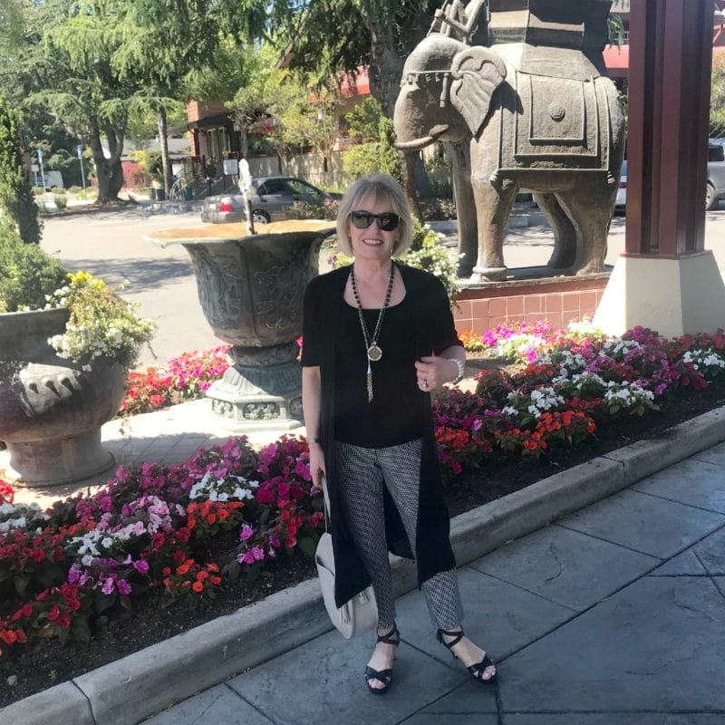 Jennifer Connolly of A Well Styled Life in front of Dinah's Hotel in Palo Alto