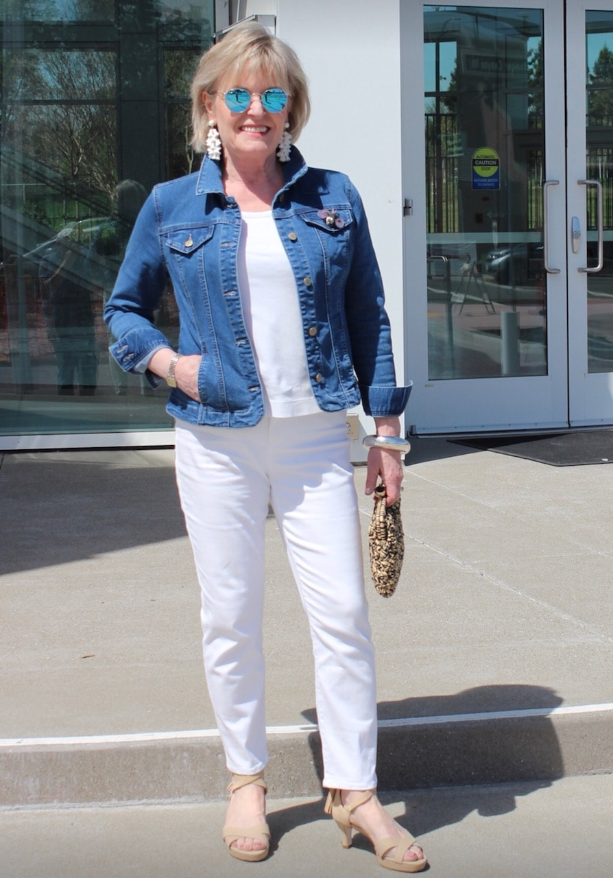 Jennifer Connolly of A Well Styled Life wearing white jeans