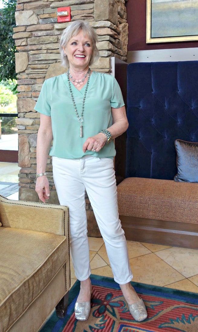 Jennifer Connolly of A Well Styled Life modeling basic v top from LilySilk