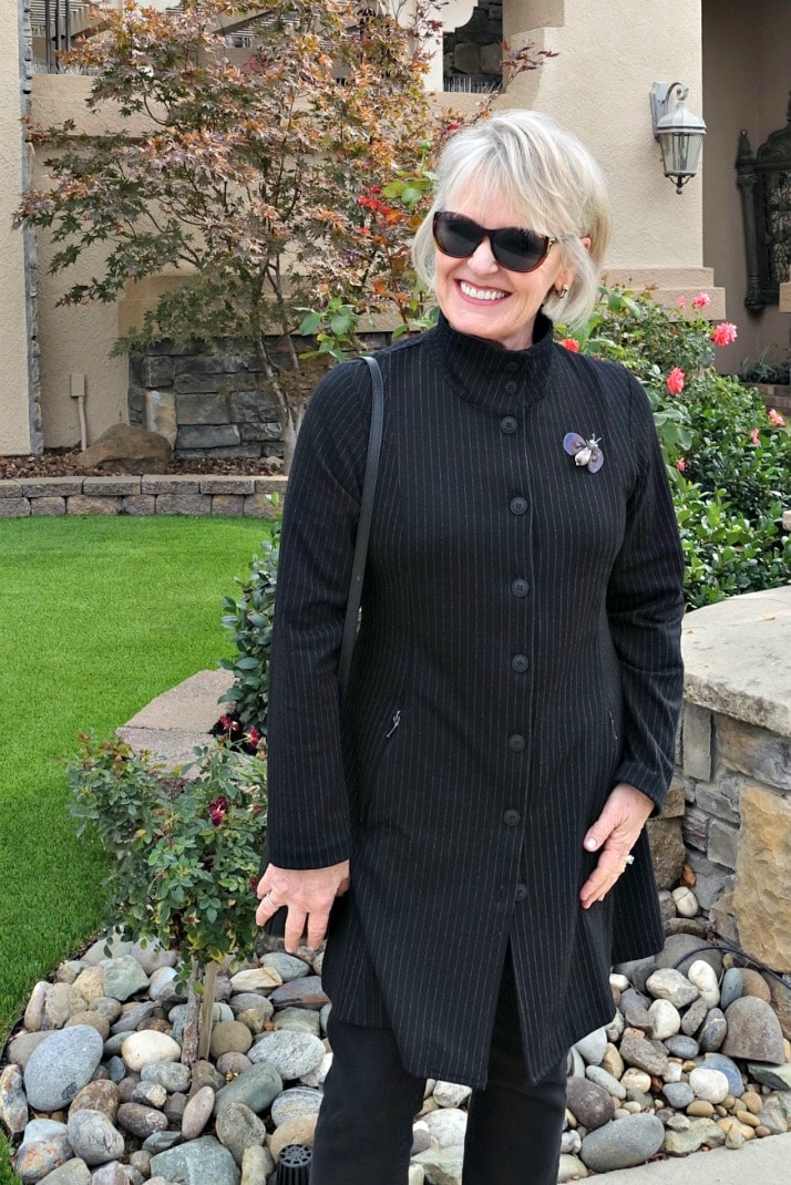 Style blogger Jennifer Connolly of A Well Styled Life wearing Defacto Jacket from Artful Home