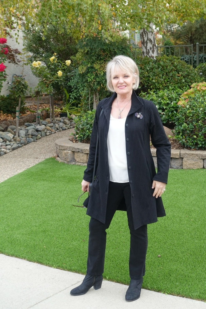 Jennifer Connolly styling the Defacto Jacket from Artful Home