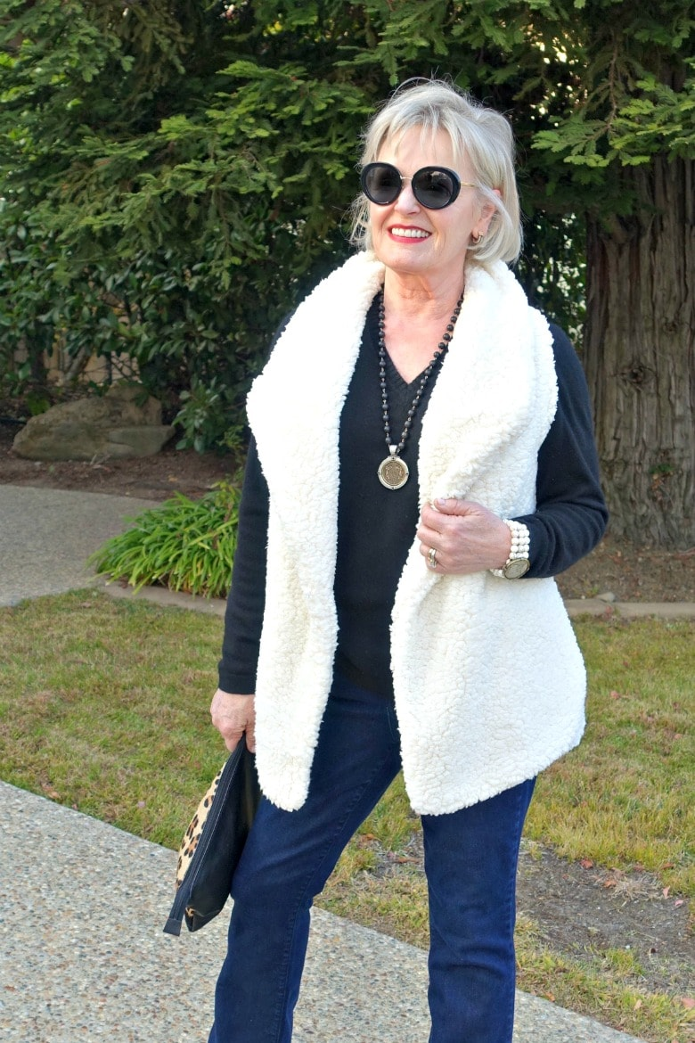 Jennifer Connolly of A Well Styled life wearing