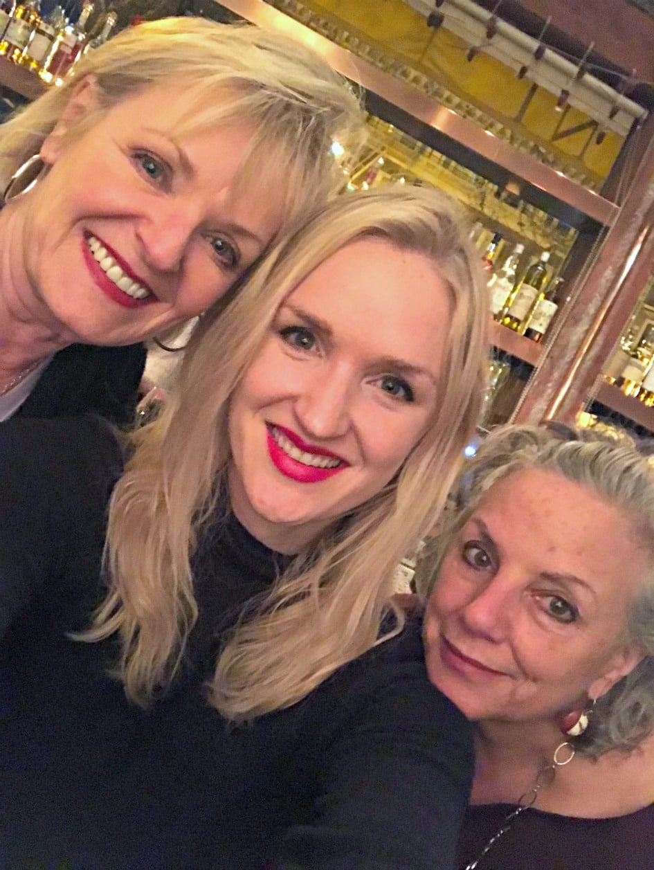 Jennifer Connolly with daughter and sister in law in San Francisco