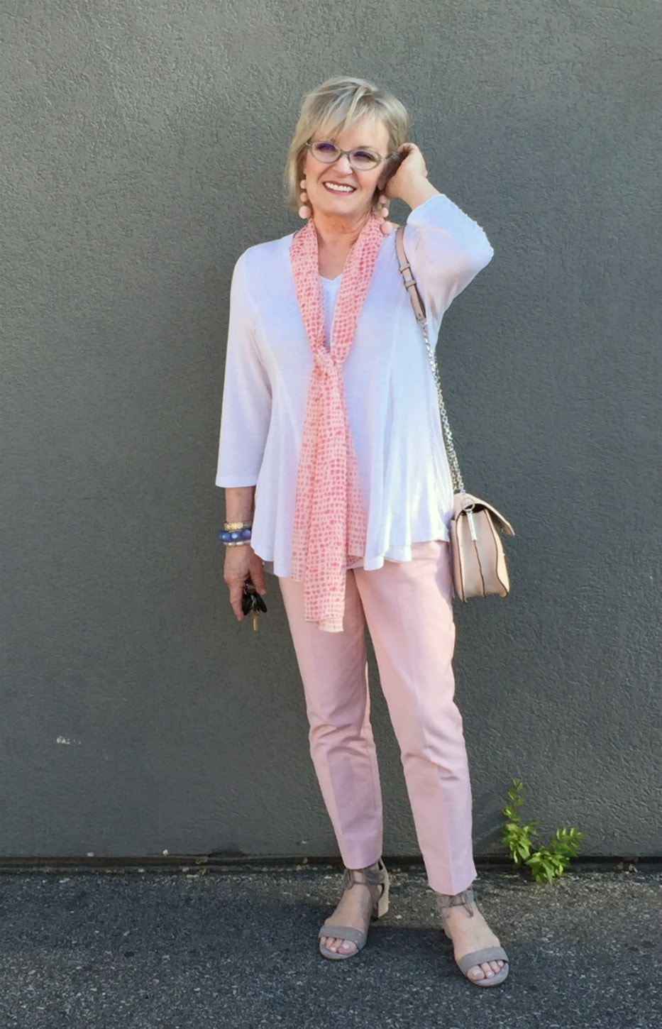Jennifer of A Well Styled Life showing 5 ways to wear pink pants
