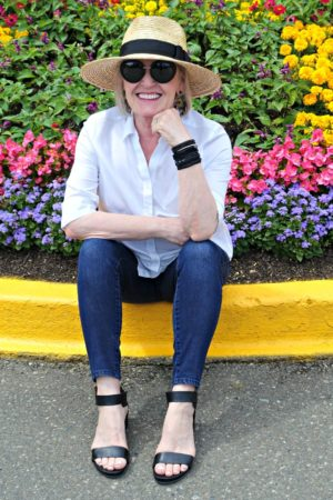 Jennifer Connolly wearing black victoria emerson bracelets