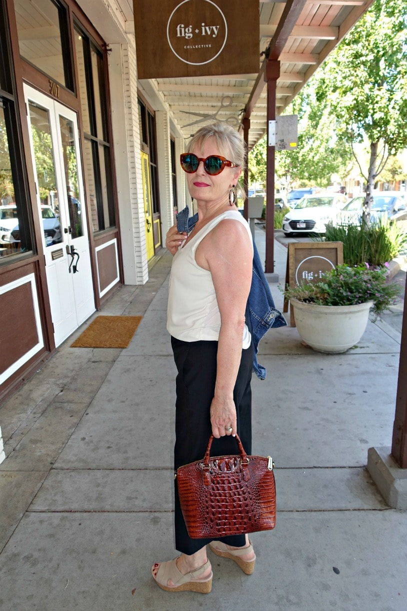 Jennifer Connolly of A Well Styled Life wearing wide crops in a casual look