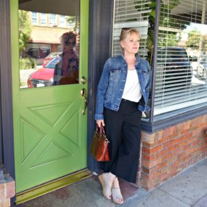 casual outfit showing proportion of wide crops on Jennifer Connolly of A Well Styled Life