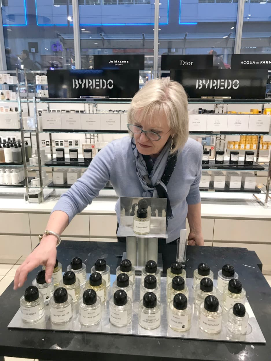 Jennifer Connolly trying Byfredo fragrance in Nordstrom