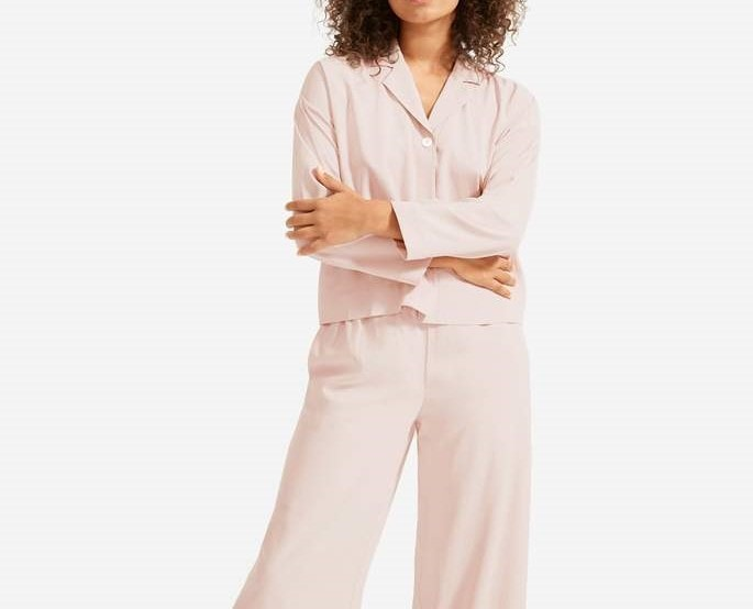 Everlane washable silk pajamas on A Well Styled Life