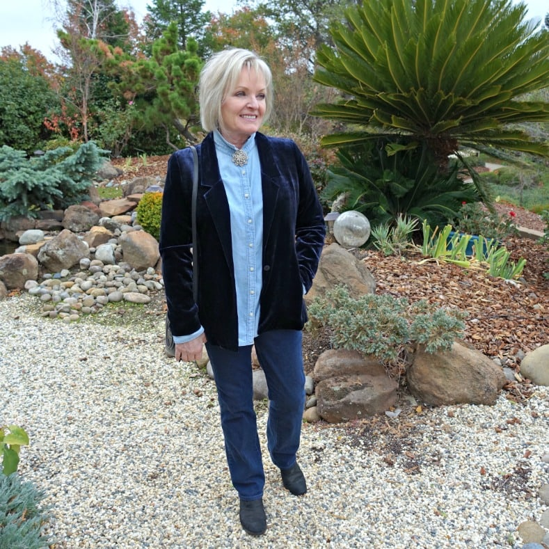 Jennifer Connolly of A Well Styled Life wearing Blue velvet blazer with chambray shirt and denim