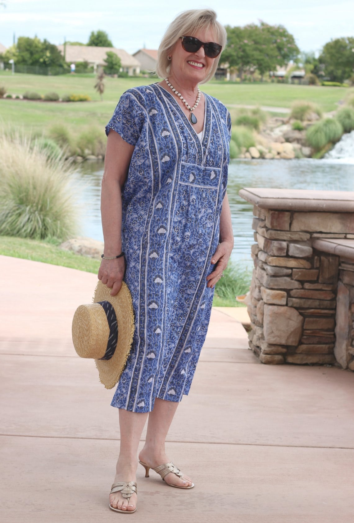 petite over 50 blogger jennifer connolly wearing blue caftan