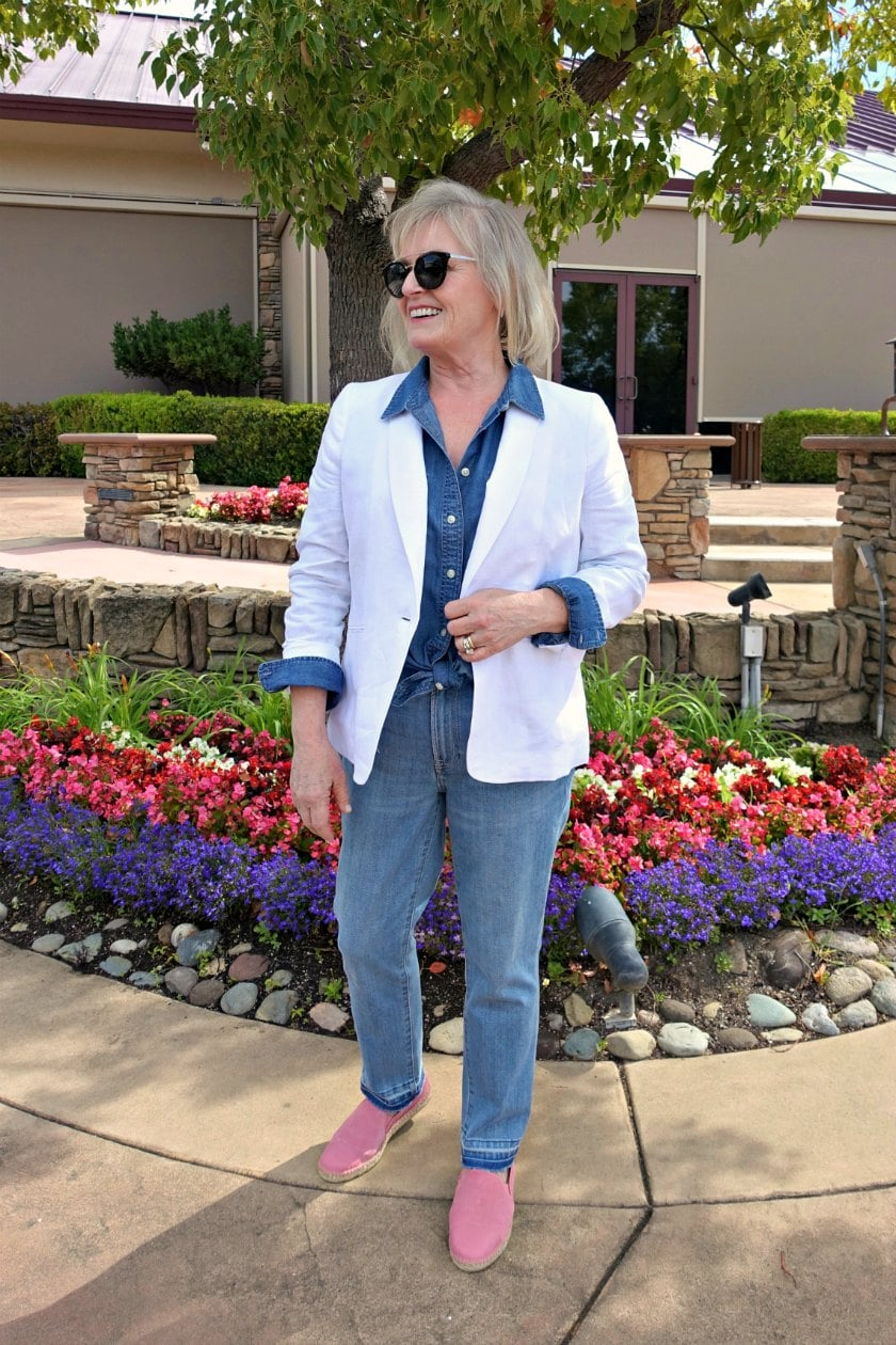 Jennifer Connolly of A Well Styled Life wearing Talbots Tencel shirt and white linen blazer