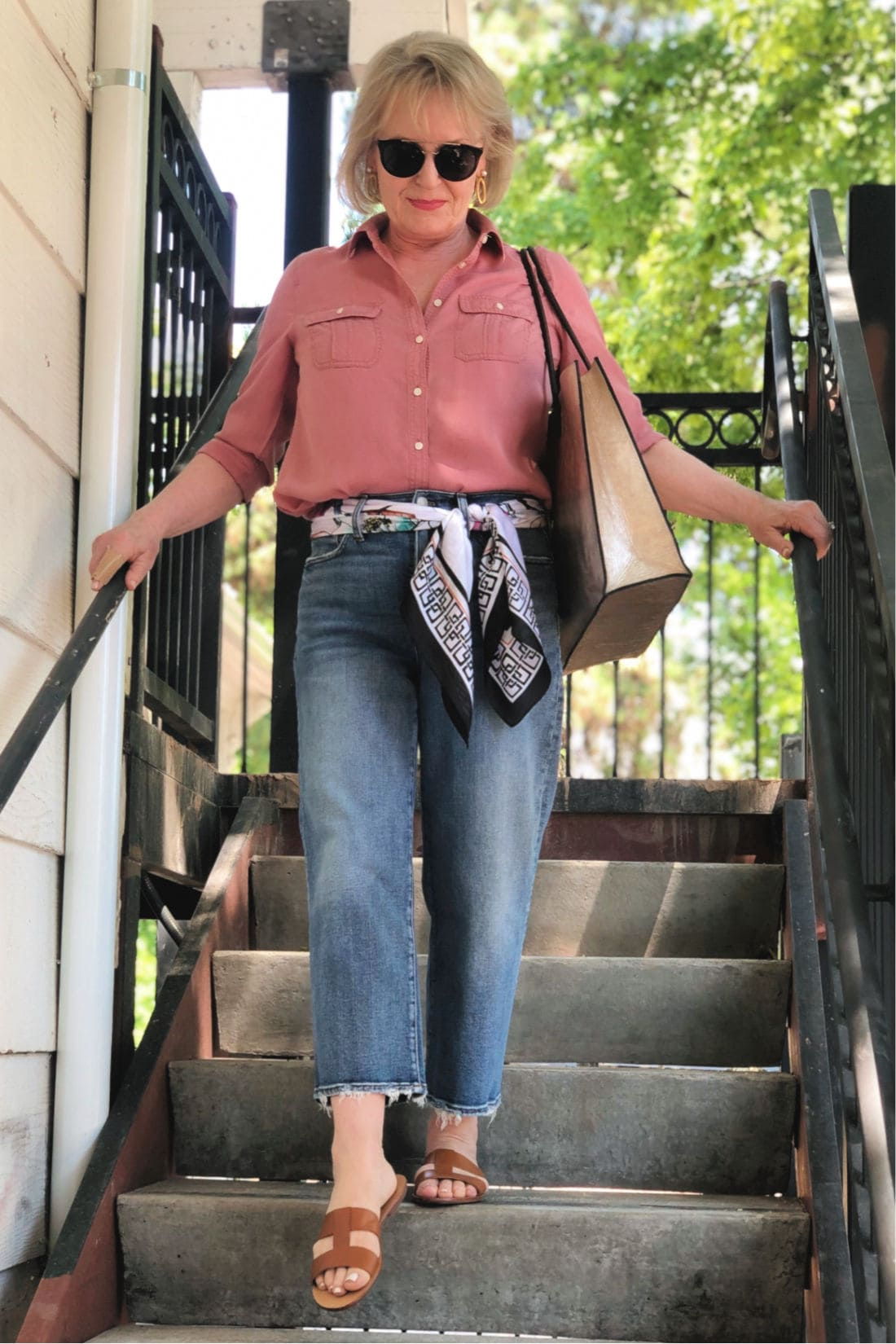 fashion blogger Jennifer Connolly wearing pink Talbots shirt and crop jeans
