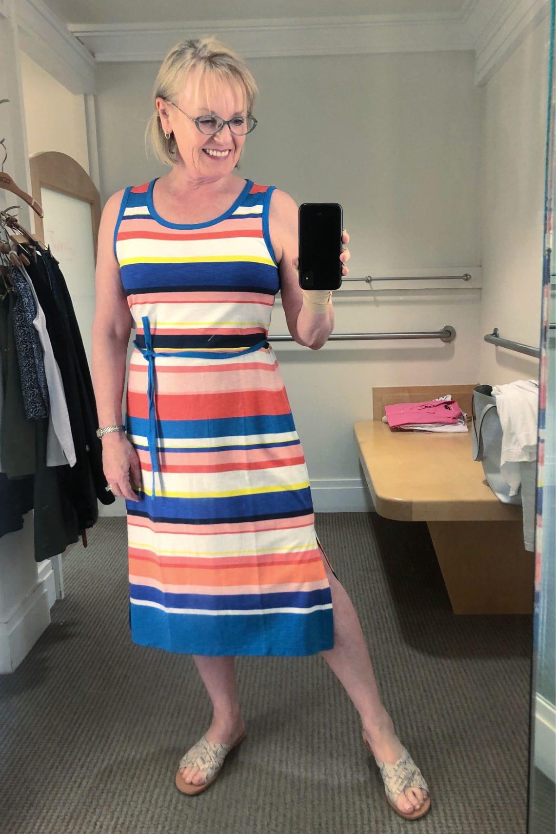 petite blogger Jennifer Connolly wearing T Talbots dress
