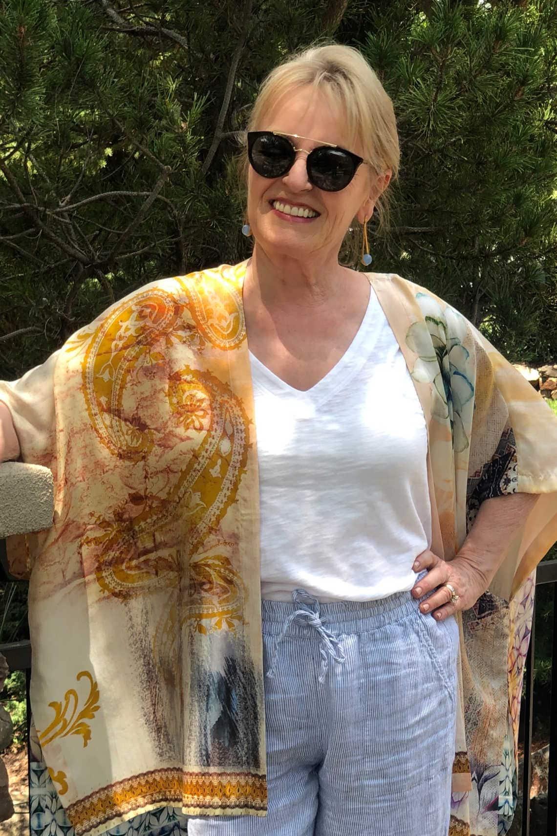 fashion blogger Jennifer Connolly wearing Chico's ruana
