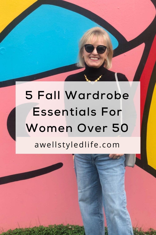 fashion blogger wearing wardrobe essentials