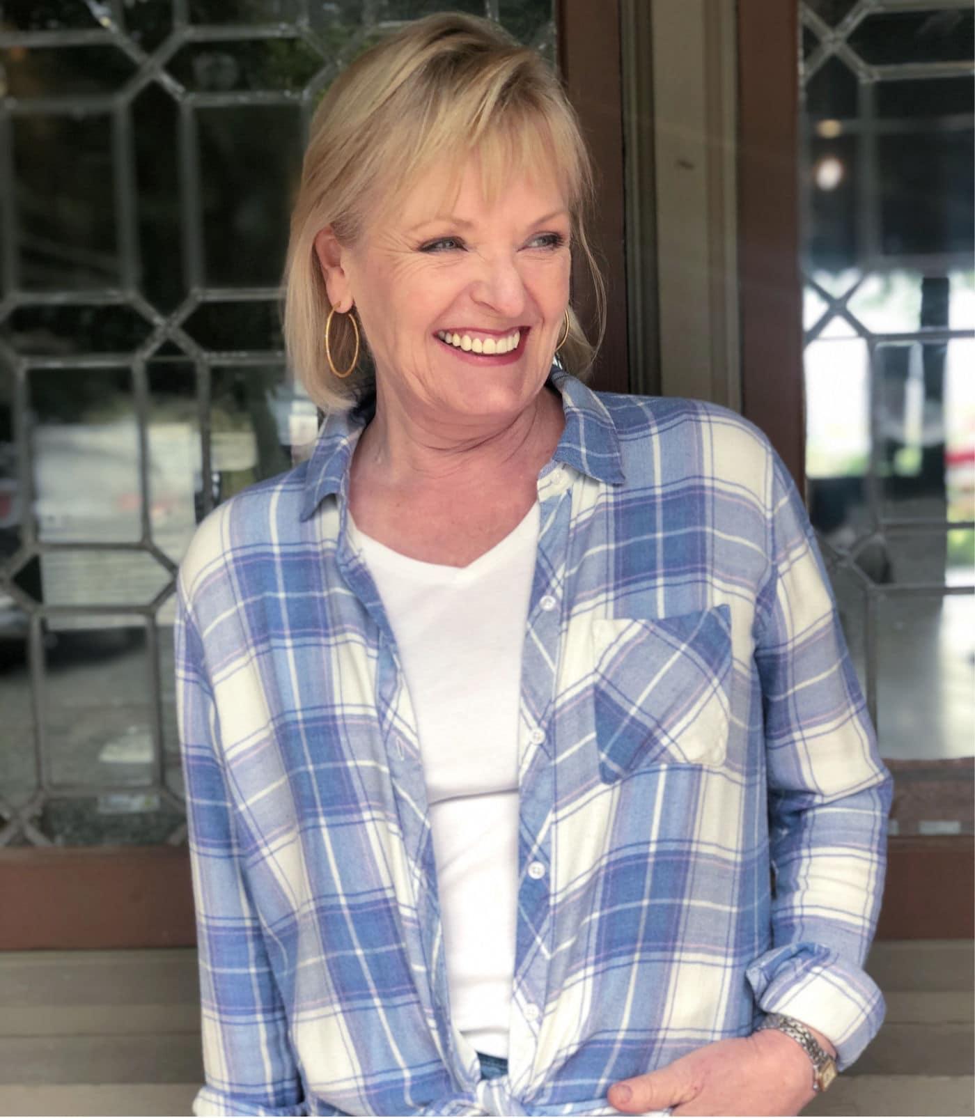 fashion blogger jennifer connolly wearing rails plaid flannel shirt