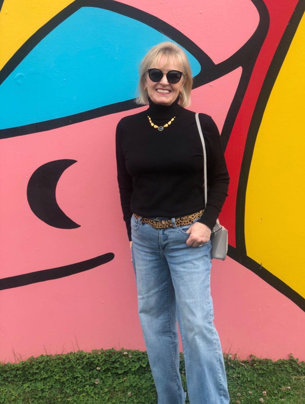 fashion blogger jennifer connolly wearing wide leg jeans