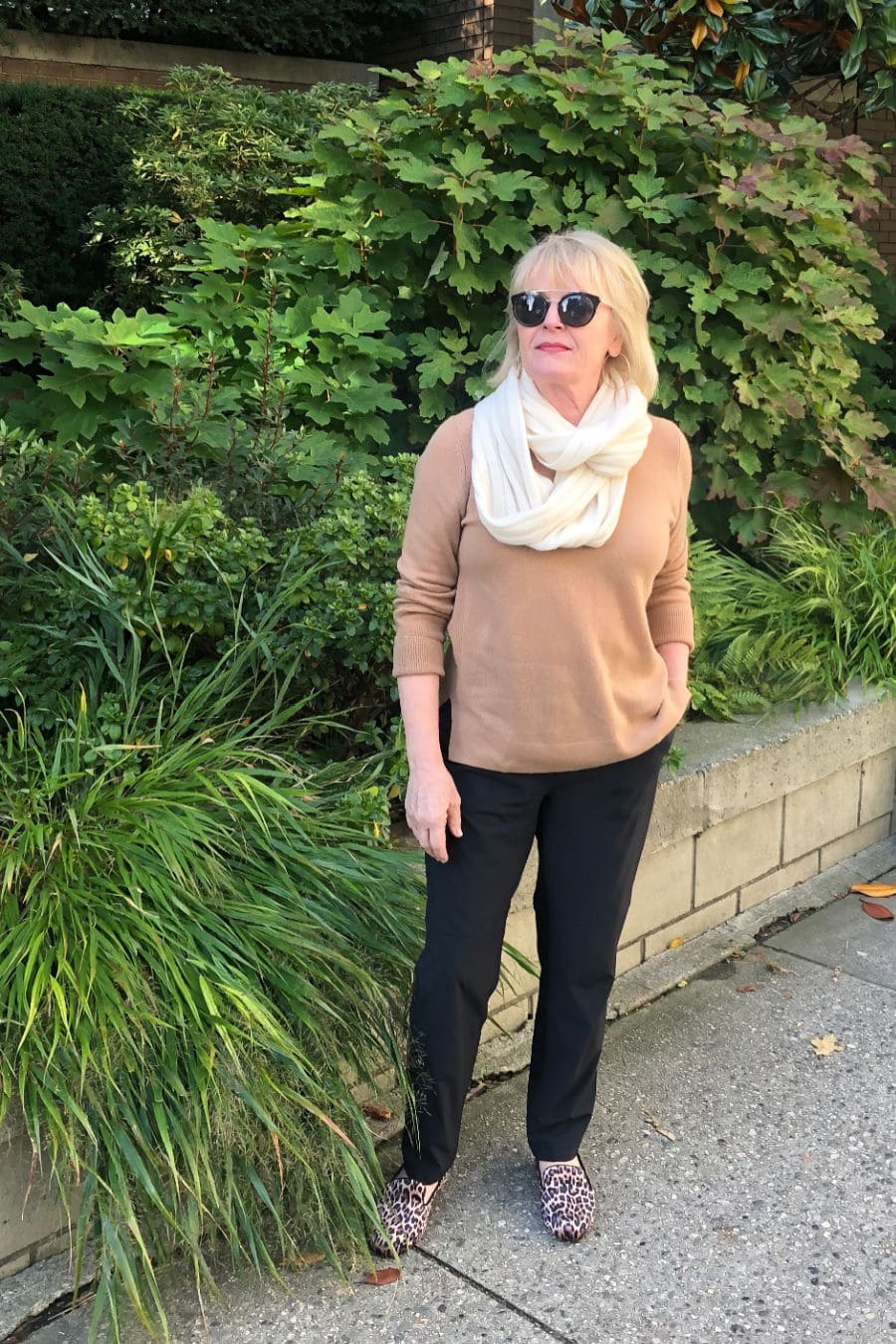 fashion blogger on a well styled life wearing casual outfit with cashmere sweater, Zella pants and Caslon shoes