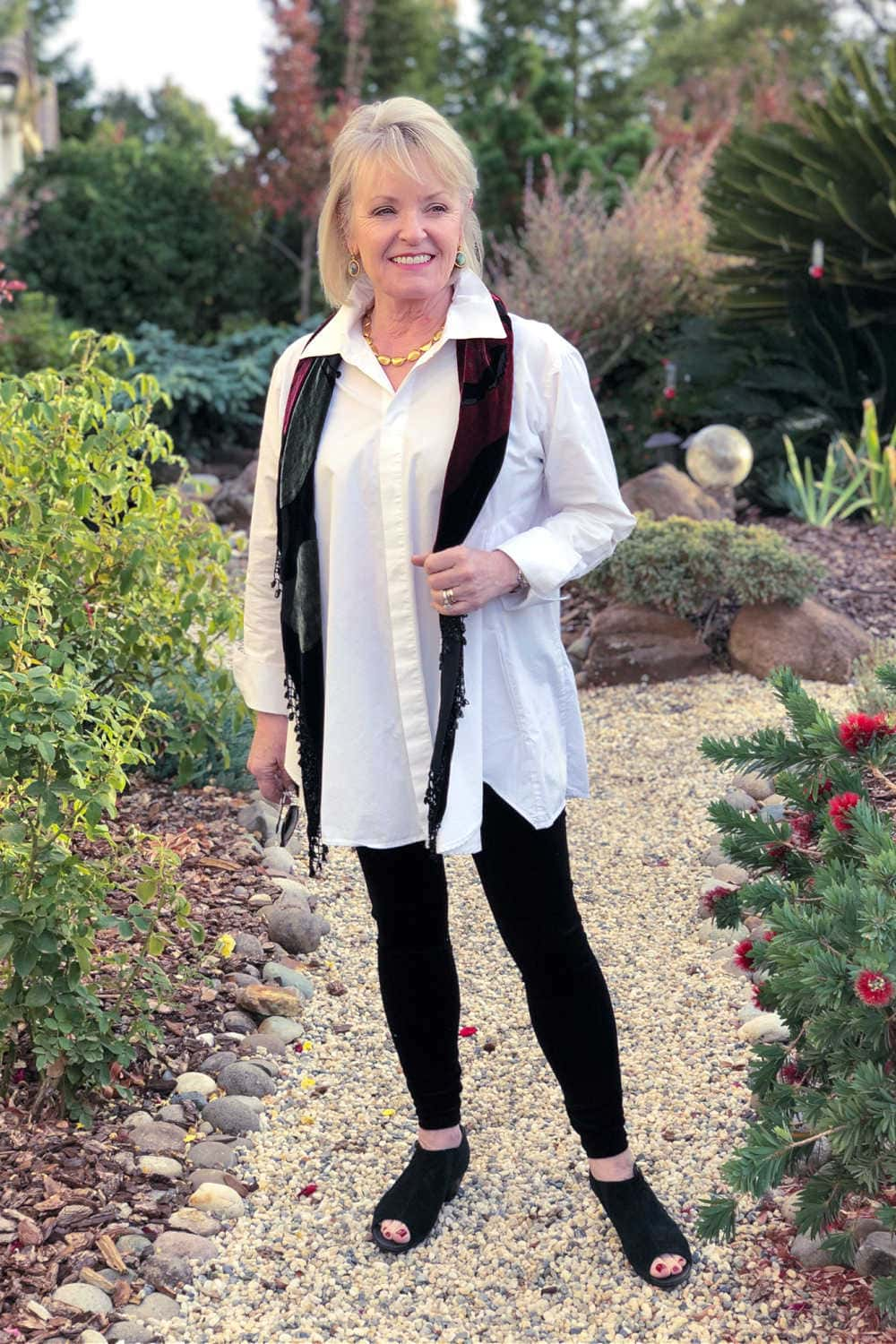 Casual Holiday Outfits With Velvet Leggings A Well Styled Life