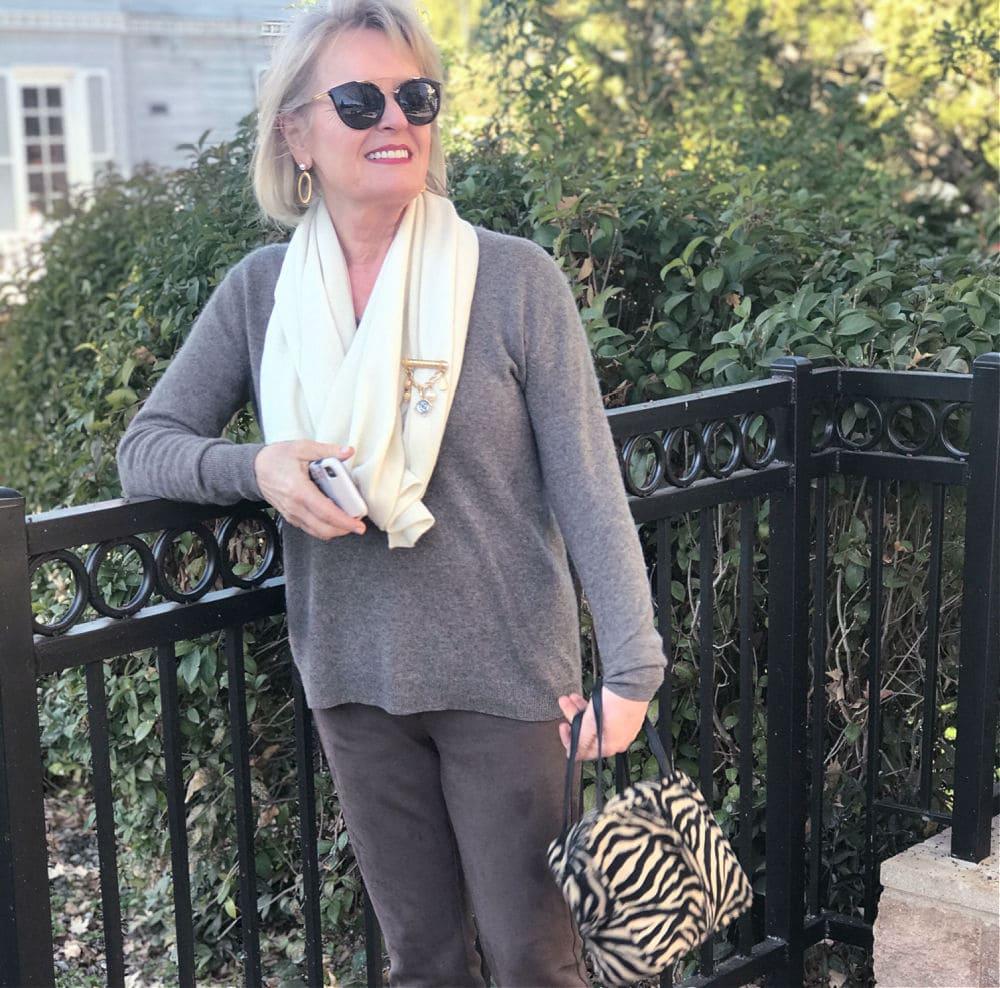 fashion blogger wearing cashmere scarf
