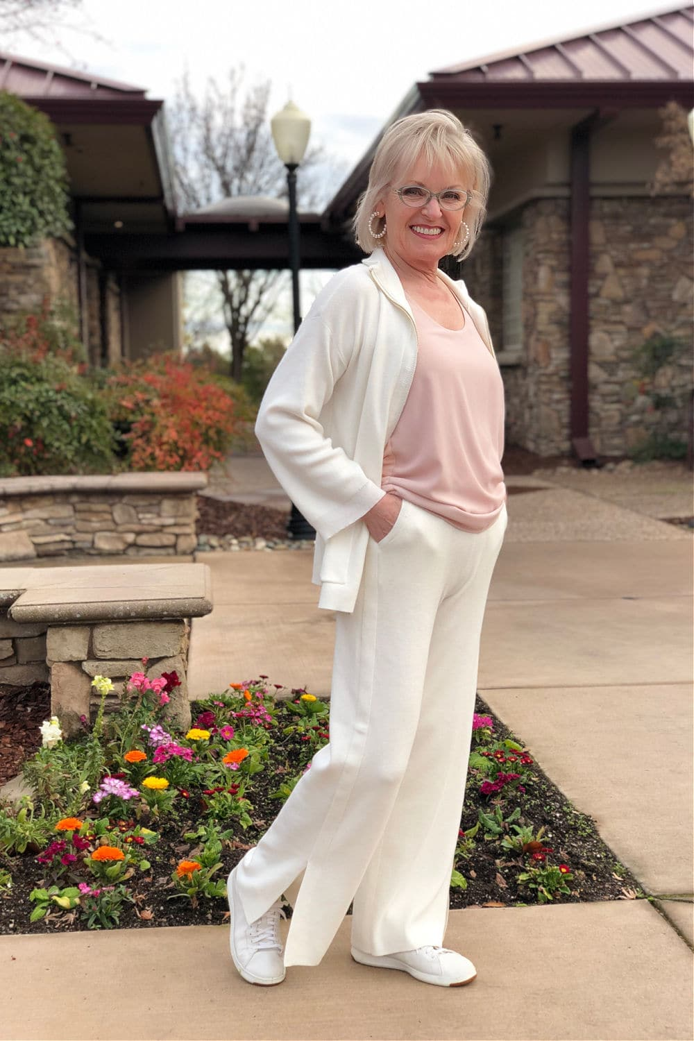 jennifer connolly of a well styled life wearing chicos ivory cotton cashmere jacket and pants