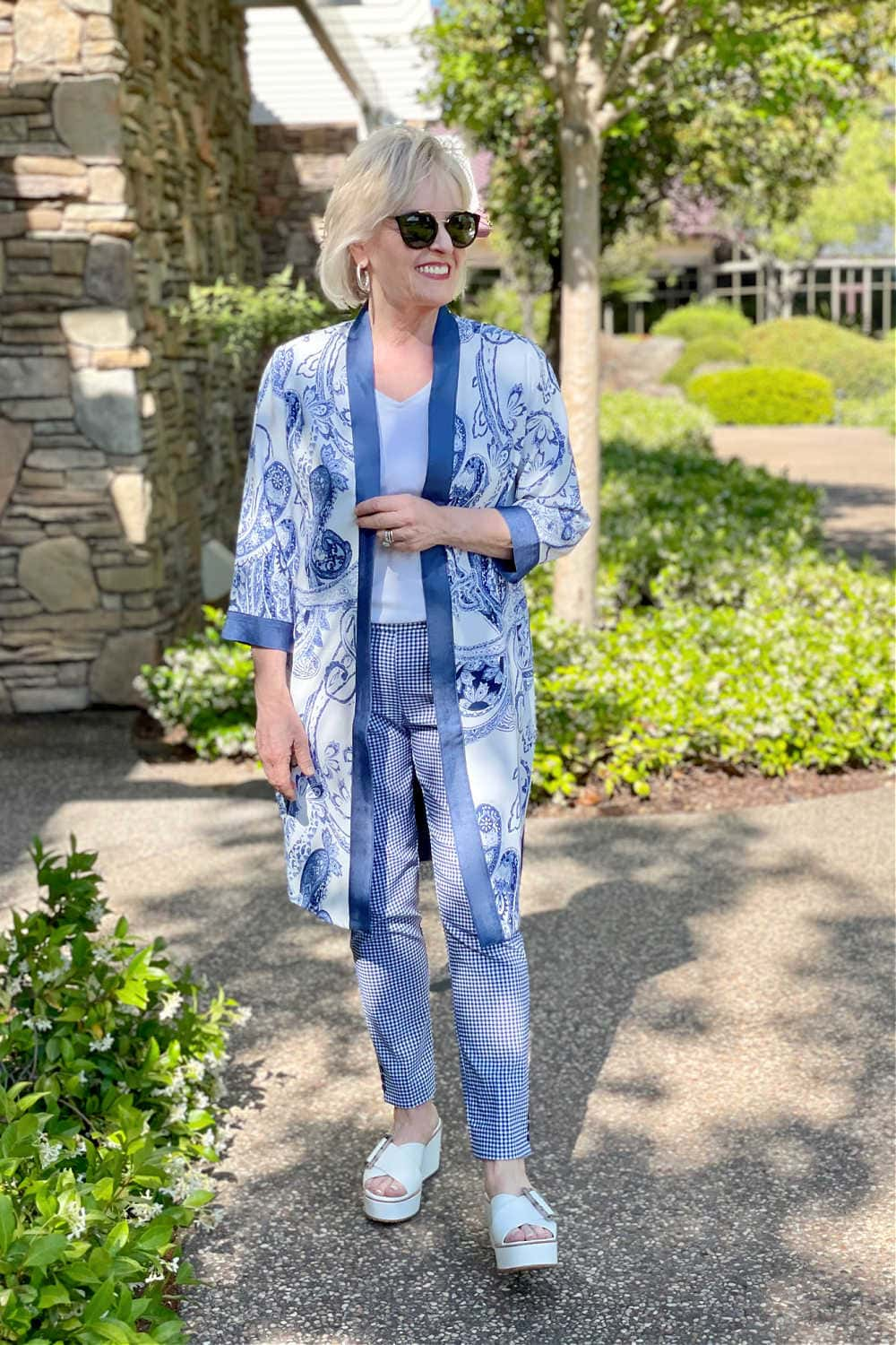 woman wearong blue and white outfit