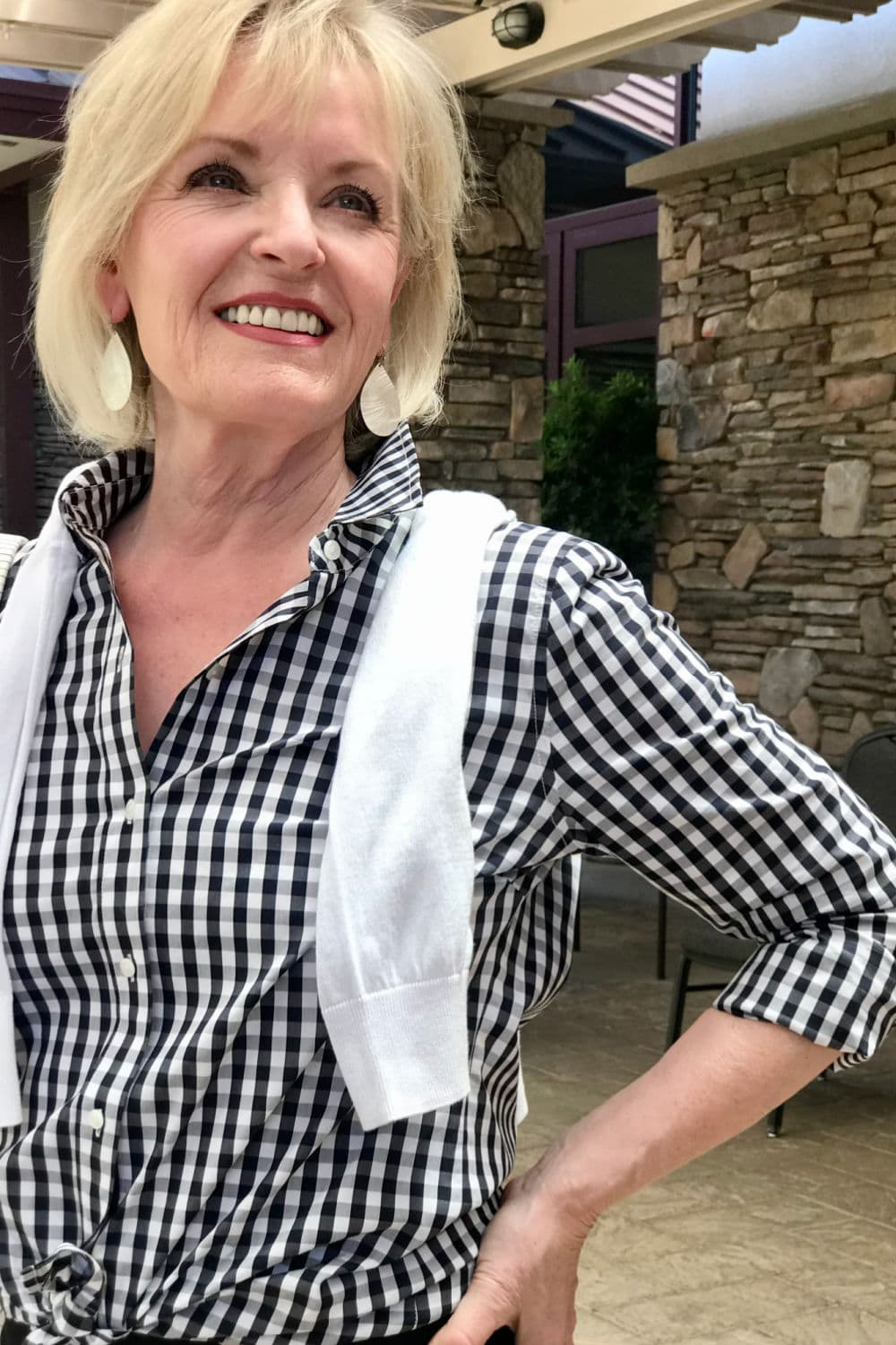 jennifer connolly wearing nordstrom brand black and white outfit