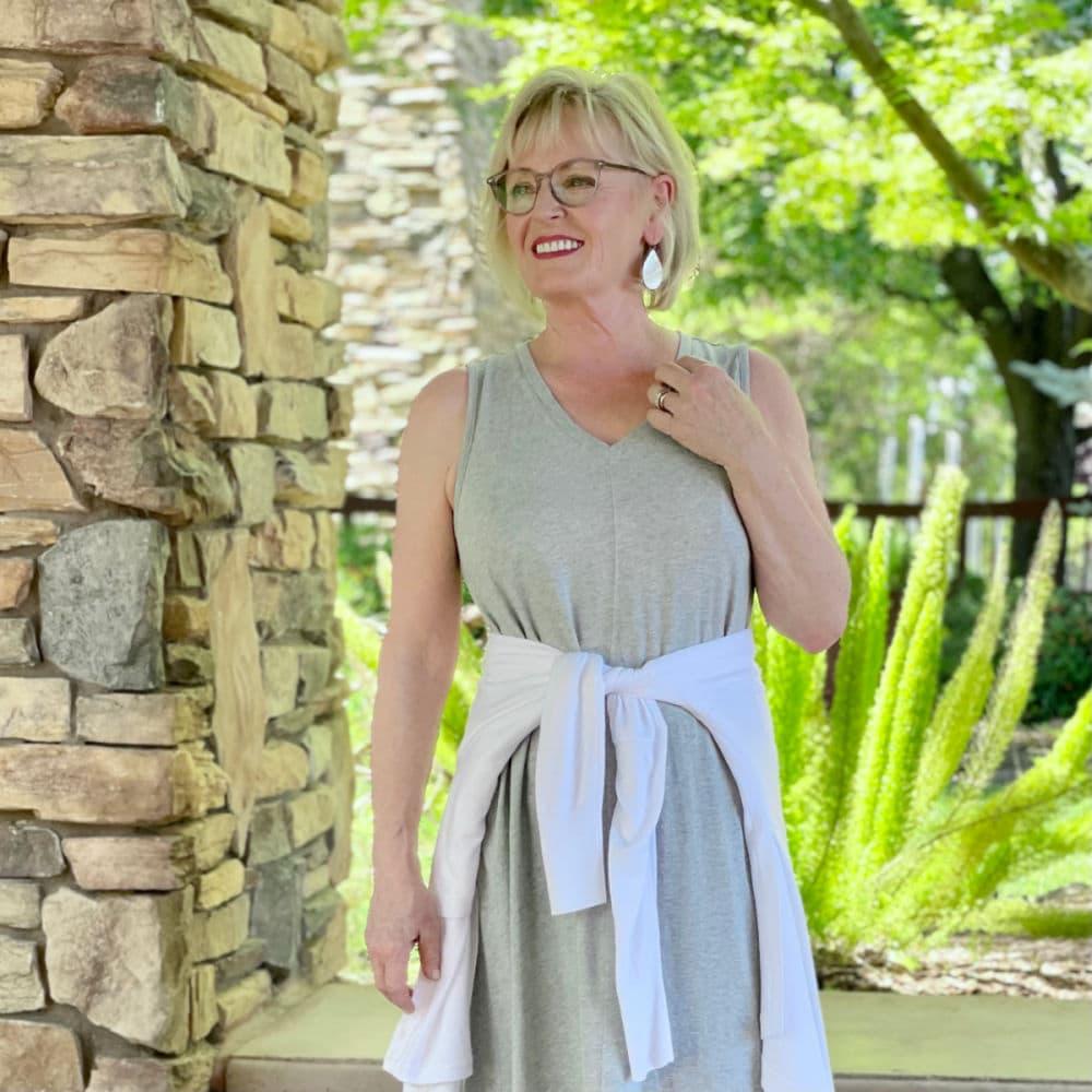 over 50 blogger jennifer connolly wearing sleeveless tee dress