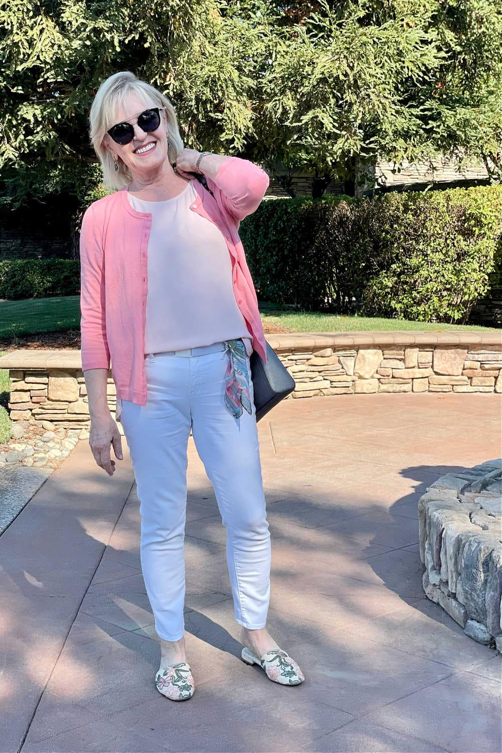 woman wearing chicos no stain white jeans